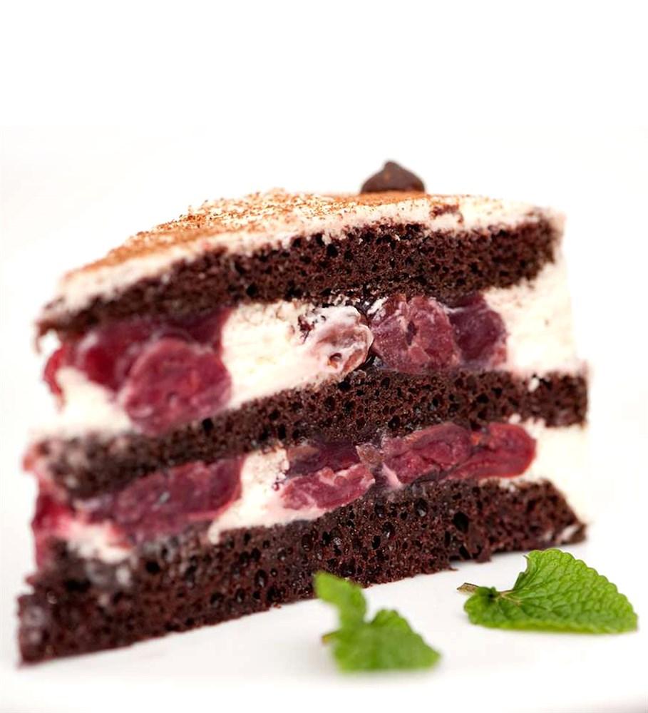 Шоколадный торт с вишней и творожным кремом рецепт с пошагово