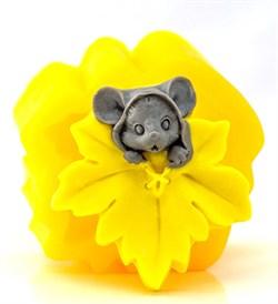 Мышка с листочком 2D силиконовая форма - фото 8150