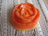 Розочка с маслом сладкого апельсина и кофейными пятнышками